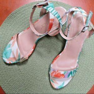 Lulus Tropical sandals heels size 8